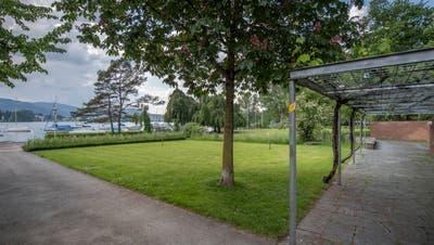 Auf dieser Wiese beim Churchill-Quai in Luzern soll ein Kinderspielplatz entstehen. (Bild: Pius Amrein, 22. Mai 2018)