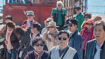 Die Rigi-Charta legt unter anderem Grundsätze fest, wie stark die Rigi touristisch wachsen soll.(Bild: Boris Bürgisser, 20. April 2018)