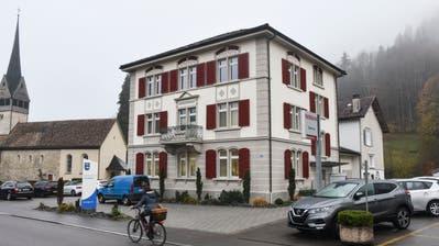 Die Fischinger Stimmbürger bewilligten an der Gemeindeversammlung den Umbau ihres Gemeindehauses. (Bild: Roman Scherrer)