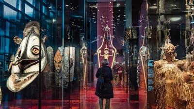 Ausstellung im Pariser Völkerkundemuseum Quai Branly. (Bild: Christophe Petit Tesson/EPA (23. November 2018))