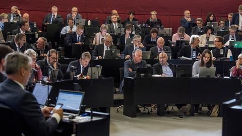 Der Luzerner Kantonsrat soll im Januar und Juni 2019 über höhere Steuern für Firmen und besonders Reiche entscheiden. (Bild: Nadia Schärli, 22. Oktober 2018)