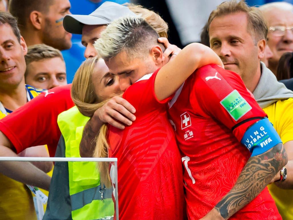 Im Juli hat die 27-Jährige Valon Behrami an der Fussball-WM in Russland begleitet - danach haben sie geheiratet (Bild: KEYSTONE/LAURENT GILLIERON)