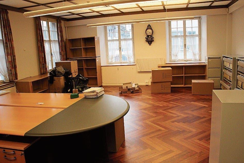 Die Büros im Rathaus Lichtensteig sind, abgesehen von den Möbeln, am Freitagmorgen kurz vor zehn Uhr fast leer. (Bild: Martin Knoepfel)