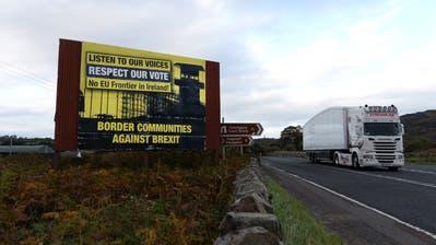 London und Brüssel sind darum bemüht, eine feste Grenze zwischen dem EU-Mitgliedsstaat Irland und dem britischen Nordirland durch den Brexit zu vermeiden. (Bild:Charles McQuillan/Getty)
