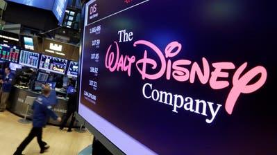 Das Logo von Walt Disney auf einem Bildschirm der New Yorker Börse. (Bild:Richard Drew/AP (New York, 8. August 2017))
