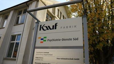 Ab Mitte 2021 wird das Psychiatrie-Zentrum nicht mehr im Kauf-Areal in Trübbach (Bild)stationiert sein, sondern in einem Neubaunahe beim Bahnhof in Sargans. (Bild: Robert Kucera)