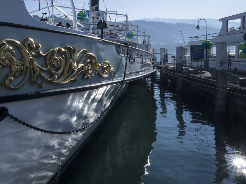 Auf dem Thuner- und Brienzersee betreibt die BLS die Schifffahrt. (Bild: Keystone/PETER SCHNEIDER)
