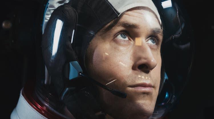 Neil Armstrongs (Ryan Gosling) Mondlandung war nicht glamourös, sondern ein schier überwältigender Stress. (Bild: Universal Pictures International)