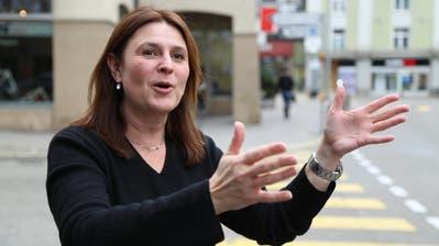 Debora Angehrn vom Rorschacher Gewerbeverein freut sich, dass für den Bummelsonntagam 2. Dezember die Hauptstrasse gesperrt wird. (Bild: Sandro Büchler)