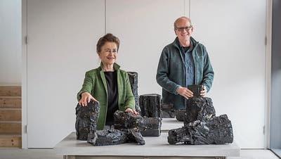 «Back to Black» bei steffenschöni: Wasserabweisend und Zeit verdichtend