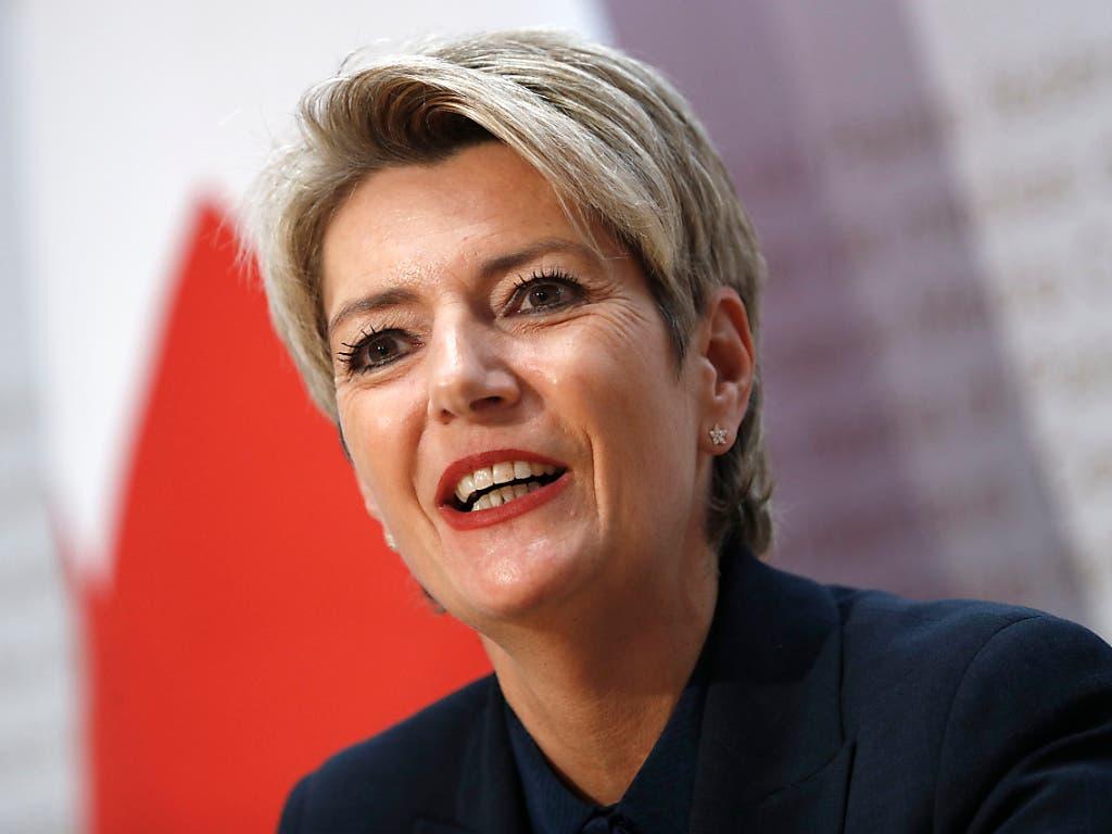 Die neu gewählte Bundesrätin Karin Keller-Sutter übernimmt das Justiz- und Polizeidepartement. (Bild: KEYSTONE/PETER KLAUNZER)