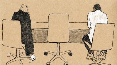 Die 40-Jährige (links) und der 47-Jährige während der letzten  Verhandlung. (Zeichnung: Lea Siegwart (Zug, 13. September 2018))