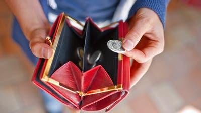 Die Steuerfusssenkung hinterlässt ein Loch in der Stadtkasse. (Bild: Keystone/Gatean Bally)