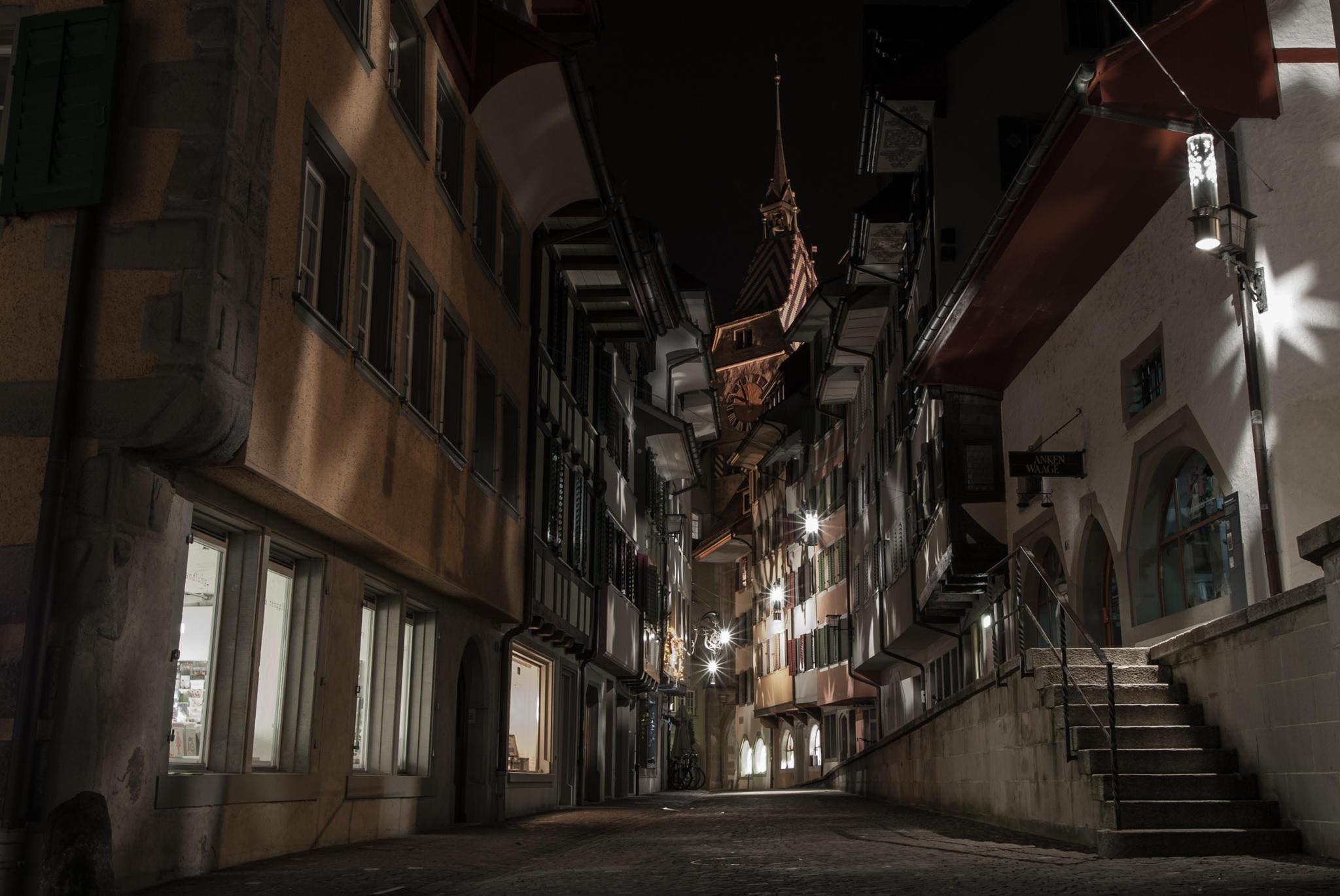 Zuger Altstadt bei Nacht (Bild: Valentin Burkart (Zug, 9. Januar 2018))