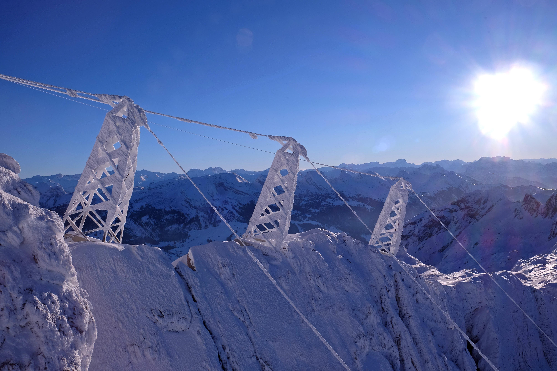 Die Masten präsentierten sich in einem zauberhaften Schneekleid. (Bilder: Walter Roggensinger)