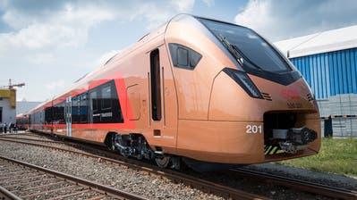 Zwölf Flirt-Züge liefert Stadler an die SOB. (Bild: Ralph Ribi)