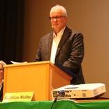 Der Gachnanger Gemeindepräsident Matthias Müller führt durch seine zweitletzte Versammlung. (Bild: Claudia Koch)