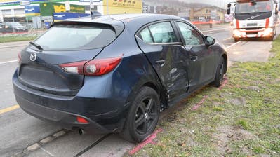 Das Auto wurde seitlich getroffen. (Bild: Luzerner Polizei)