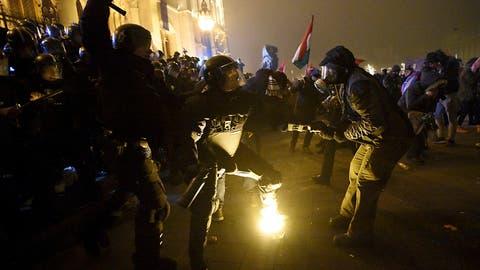 Erneut gewaltsame Proteste in Ungarn