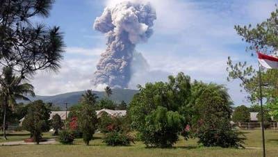 Vulkanausbruch auf indonesischer Insel Sulawesi