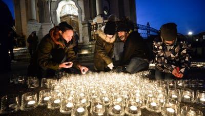 Die Katholische Kirche organisiert am Frauenfelder Weihnachtsmarkt die Aktion «Eine Million Sterne».