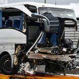Car-Unfall bei Zürich: Todesopfer stürzte in die Sihl– über 40 Personen verletzt