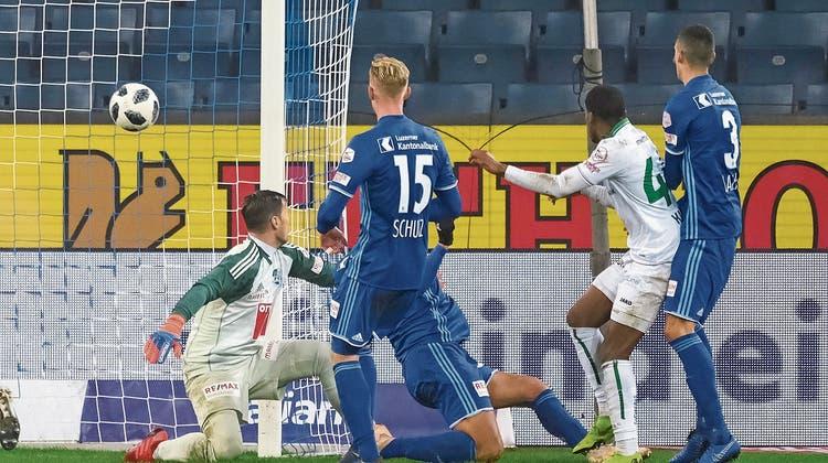 Der FC St.Gallen verteilt grosszügig Weihnachtsgeschenke