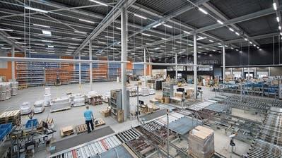 Blick in das Logistikzentrum von Meier Tobler in Nebikon, welches Galliker nun übernimmt. (Bild: Pius Amrein, 8. August 2017)
