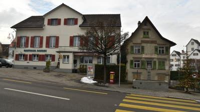 Das Restaurant Ochsen und das Farinolihaus liegen dicht an dicht. (Bild: Markus Schoch)