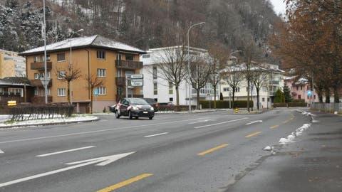 Der Kanton baut bei der Einmündung der Bürgenstockstrasse in die Stanserstrasse einen Kreisel. (Bild: Matthias Piazza, Stansstad, 5. Januar 2017)