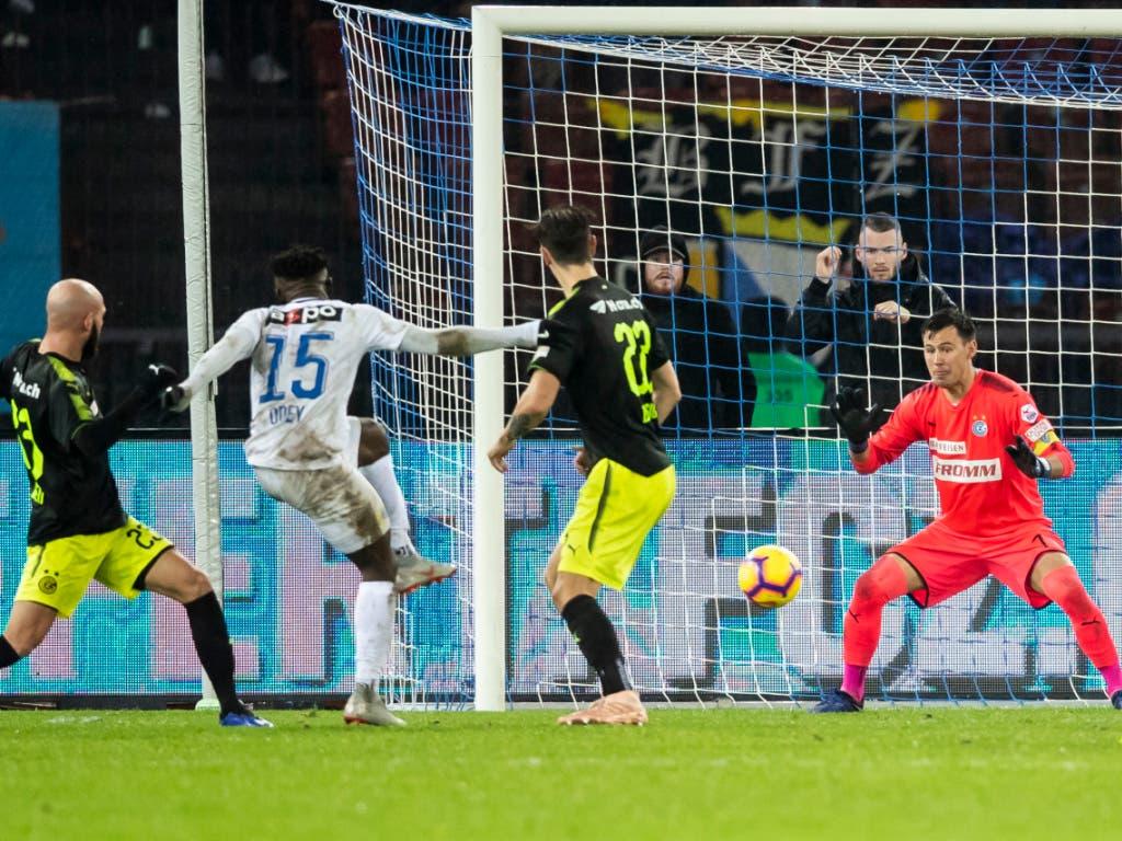 FC Zürichs Stürmer Stephen Odey trifft kurz vor Schluss zum 2:0 (Bild: KEYSTONE/CHRISTIAN MERZ)