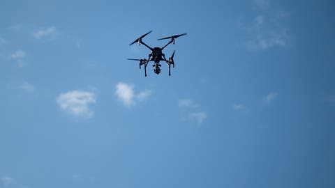 Berichte über Drohnen legen Flughafen London-Gatwick lahm