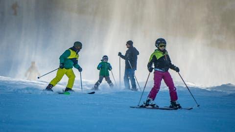 Rund 80 Klassen aus der Stadt St.Gallen fahren im Januar 2019 wieder ins Skilager. (Bild: Benjamin Manser)