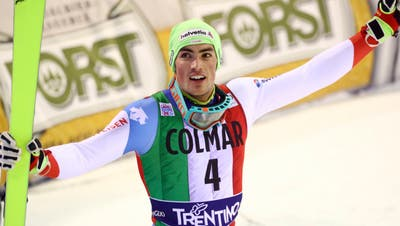 Daniel Yule gewinnt sensationell den Slalom in Madonna di Campiglio