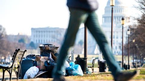 Wegen des Shutdowns war die Abfallentsorgung in Washington nur noch eingeschränkt sichergestellt. (Bild: Jim lo Scalzo/Keystone)