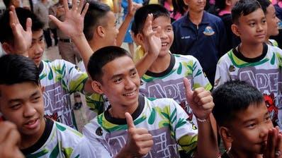 Taucher der thailändischen Navy bereiten sich in der Höhle Tham Luang vor, um die eingeschlossenen Jugendlichen zu retten. (Bild: Getty/Thai Navy Seal (Chiang Rai, 27. Juni 2018))