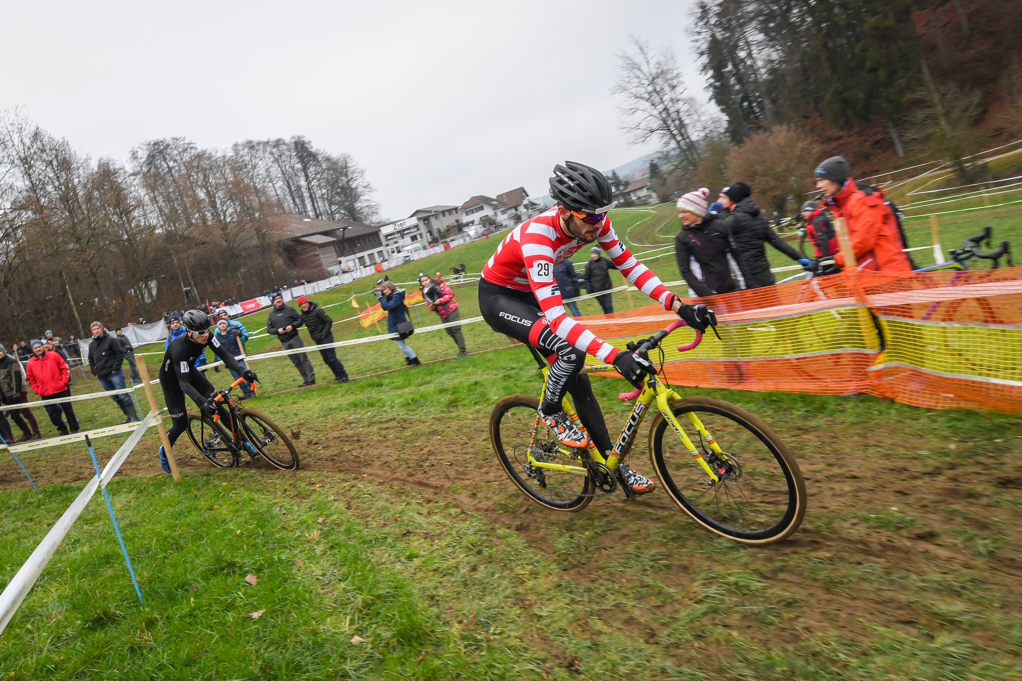Lukas Winterberg kämpft sich durch den Parcours. (Bild: Chris Roos (Pfaffnau, 26. Dezember 2018)