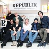 """Die sechs Gründungsmitglieder der """"Republik"""". Einige von ihnen haben das Online-Magazin bereits wieder verlassen. (Bild: Keystone)"""