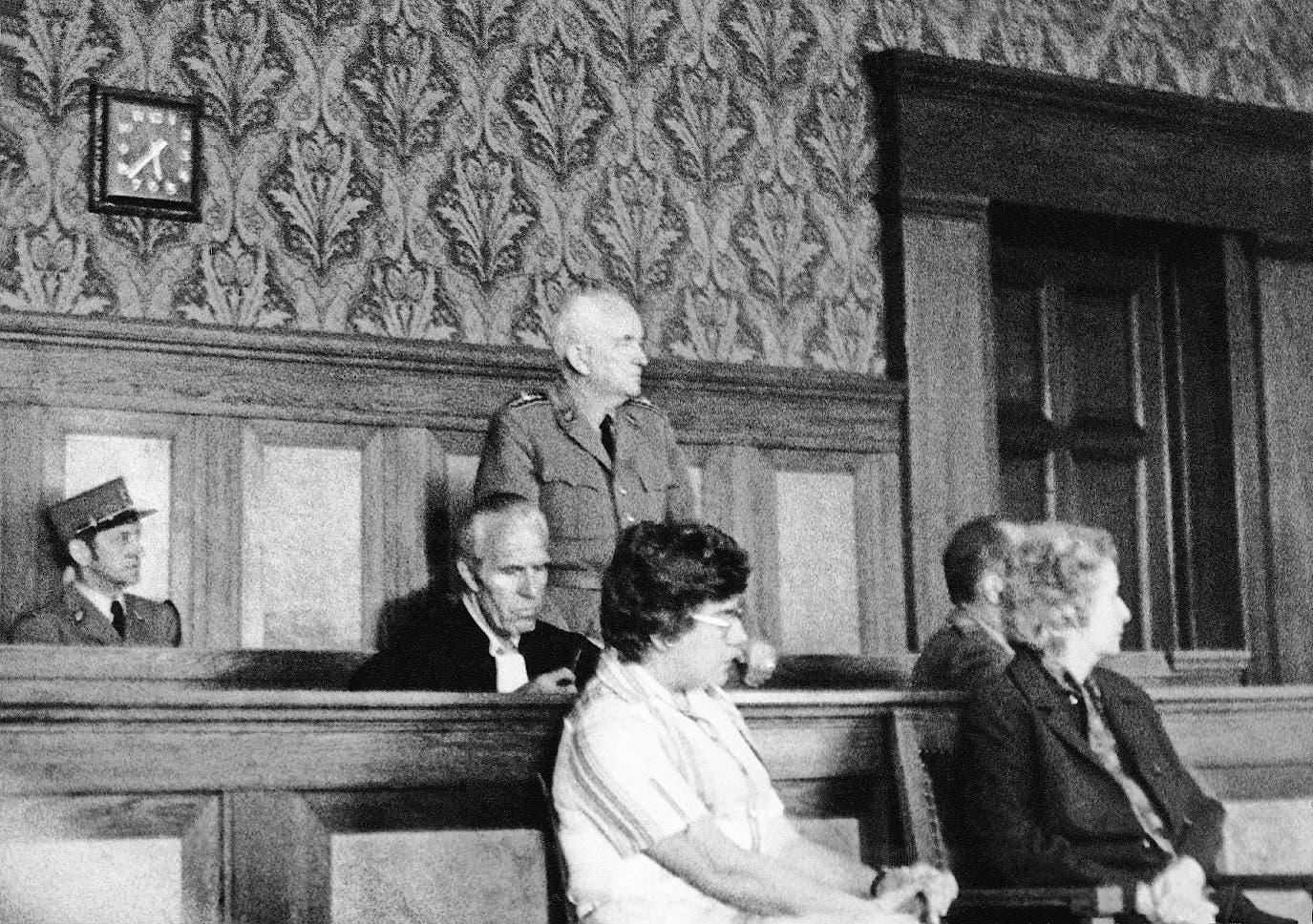 Brigadier Jean-Louis Jeanmaire vor dem Bundesgericht. (Bild: Keystone (Lausanne, 17. Juni 1977))