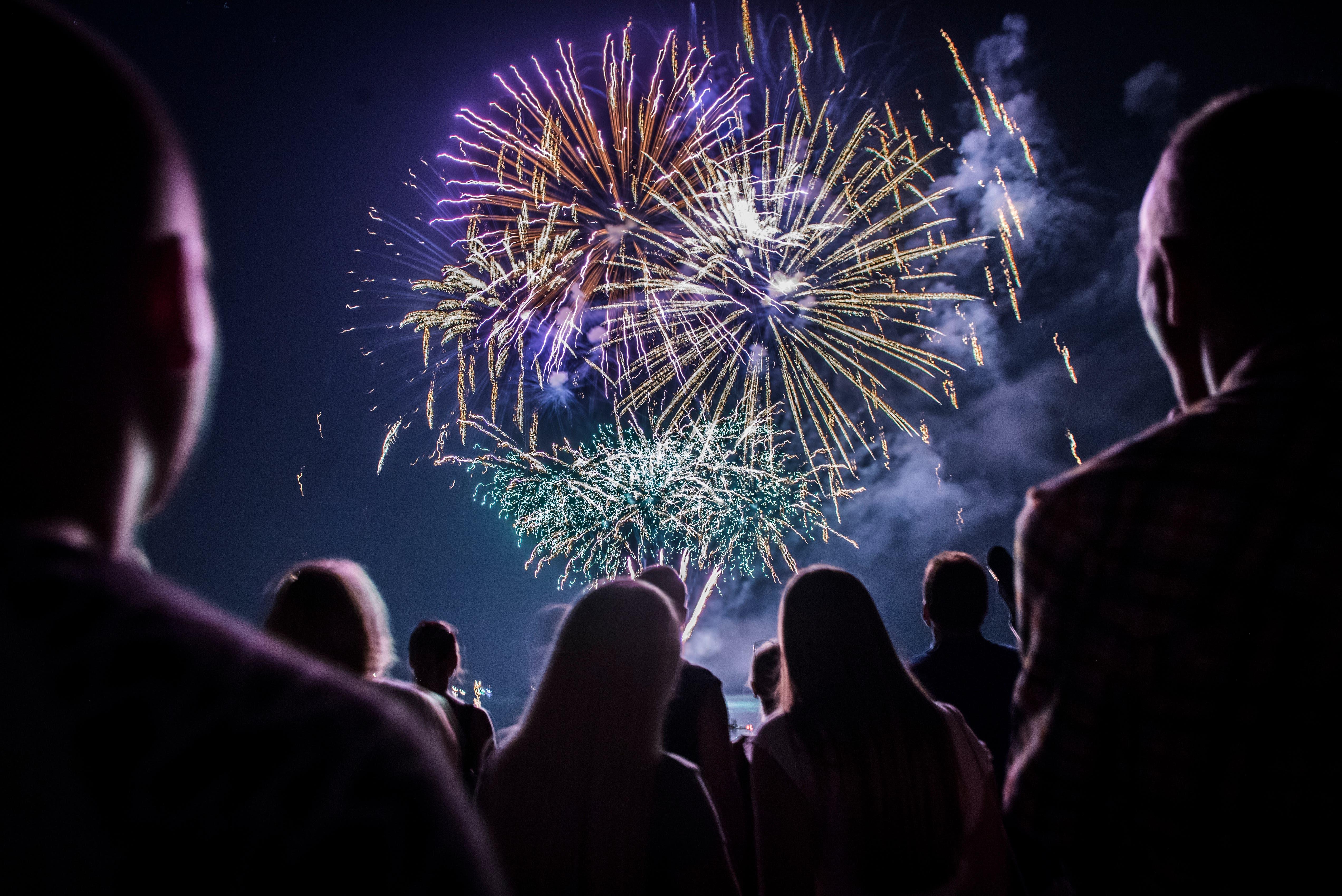 Fulminantes Feuerwerk am Sommernachtsfest in Romanshorn. (Bild: Reto Martin)