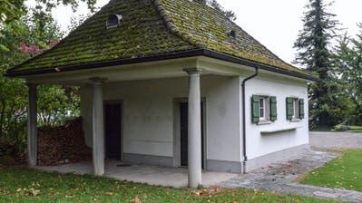 Das Jagdhaus der Villa Sutter befindet sich in einem schlechten Zustand (Bild: Christoph Heer)