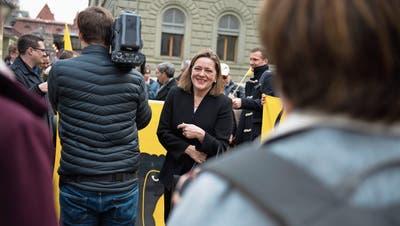 Heidi Zgraggen lässt sich trotz ihrer Nichtwahl von ihren Fans in Bern feiern. (Bild: Corinne Glanzmann, Bern, 5. Dezember 2018)