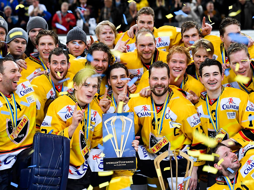 Kalevan Pallo (KalPa) Kuopio gewinnt als erstes finnisches Team den Spengler Cup in Davos (Bild: KEYSTONE/AP Keystone/GIAN EHRENZELLER)