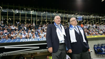 Der damalige FCL-Präsident Walter Stierli (links) und Grossaktionär Bernhard Alpstaeg an der Eröffnungsfeier der Swisspor-Arena. (Bild: Philipp Schmidli (Luzern,3. September 2011))