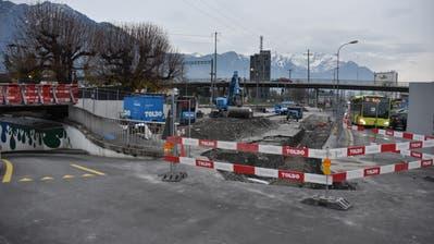 Hier will die Stadt Buchs nach dem Rückbau des Busbahnhof-Provisoriums und der laufenden Planauflage 20 Kurzzeitparkplätze realisieren. (Bild: Thomas Schwizer)