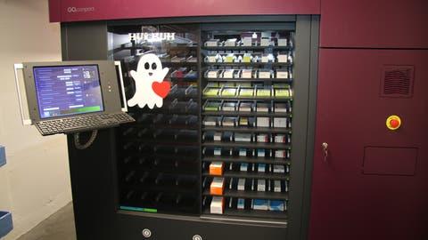 Dieser neue Roboter nimmt den Apothekerinnen viel Arbeit ab. (Bild:Elena Fasoli)