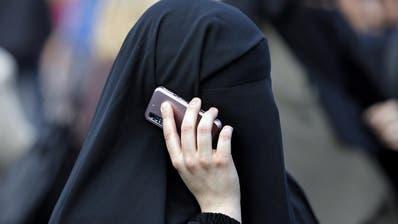SCHWEIZ: Initiative ist zustande gekommen: Volk entscheidet über Burkaverbot