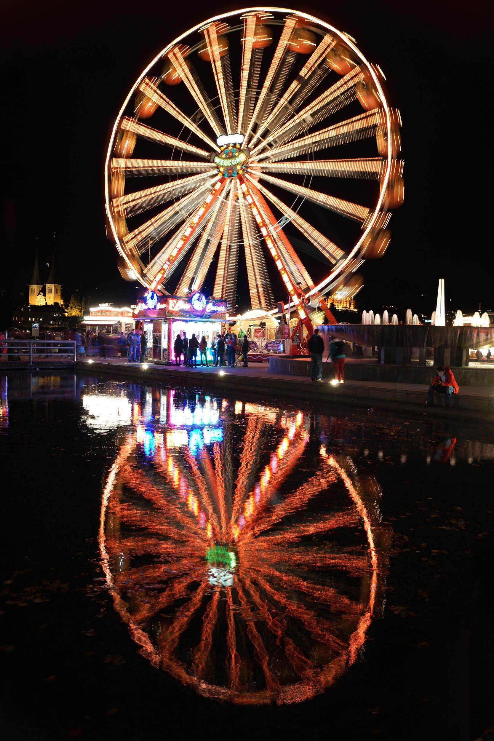 Luzerner Herbstmesse, Nachtfotografie (Bild: Patrick Aeschbach)