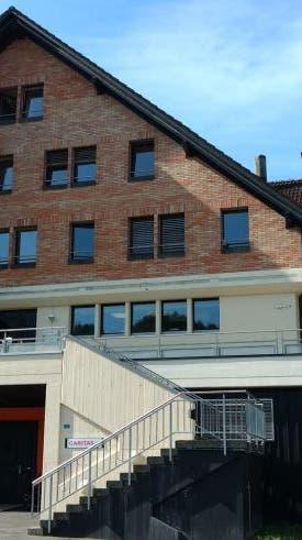 BENNAU: Kanton Schwyz will Liegenschaft für Durchgangszentrum kaufen