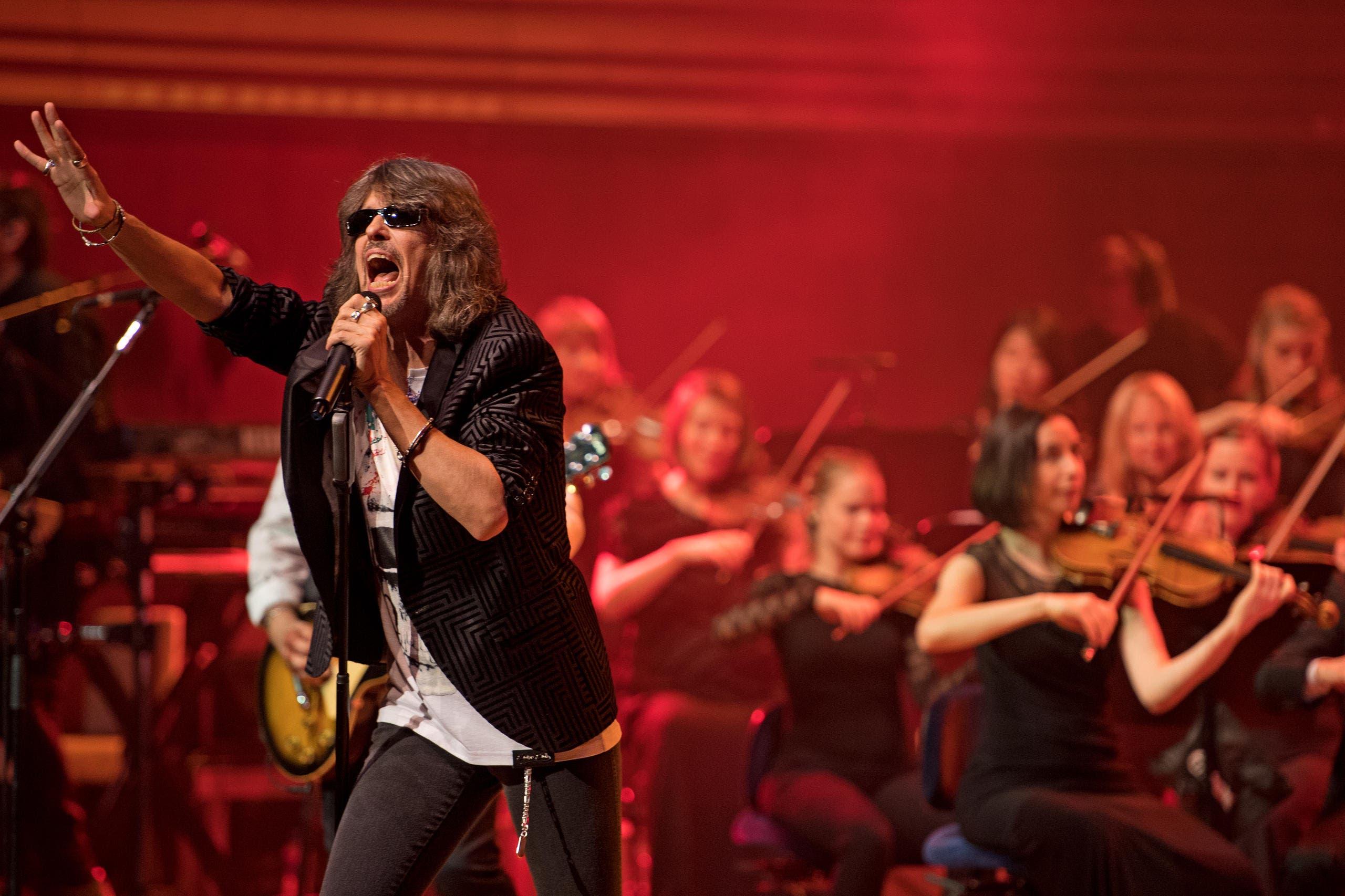 Frontman Kelly Hansen rockte den ausverkauften Saal. (Bild: Corinne Glanzmann)